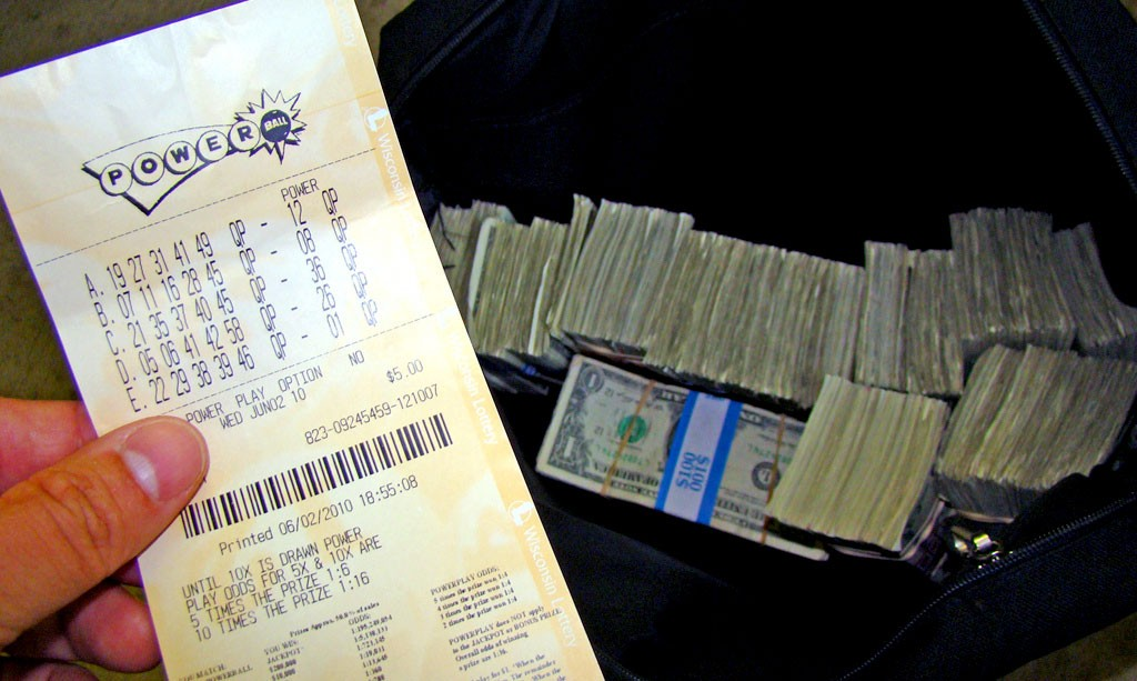 A-Letter-of-Condolence-to-the-US1.6-billion-Lottery-Winner-2
