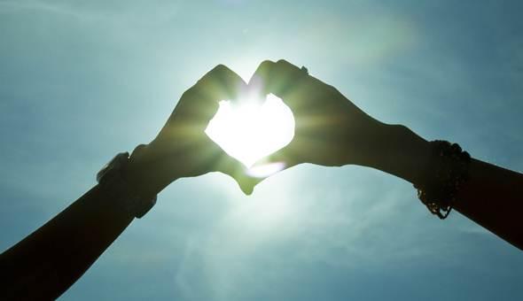 读经: 诗篇103篇1-14节   说到「爱是什么?」孩子们有一些